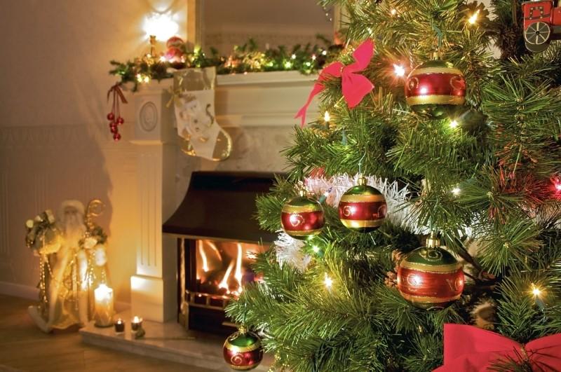 Le palle di Natale sono una classica decorazioni natalizie